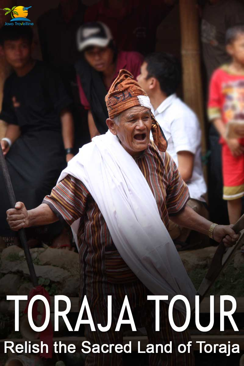Toraja tour: Toraja Priest